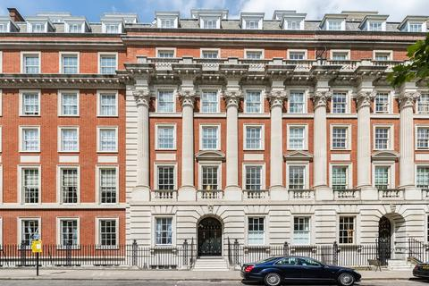 3 bedroom flat to rent - Grosvenor Square, Mayfair, London