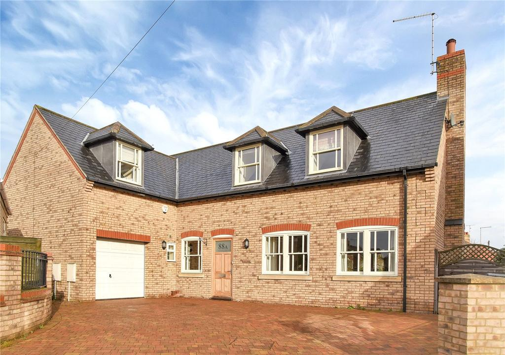 4 Bedrooms Detached House for sale in Queens Walk, Stamford, Lincolnshire