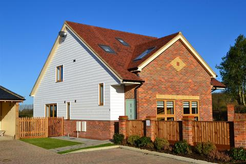 3 bedroom detached house to rent - The Rickyard, Roestock Lane, Colney Heath