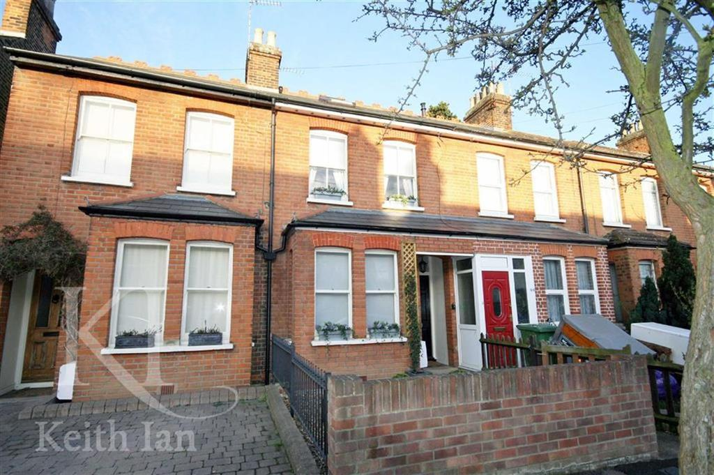 3 Bedrooms Terraced House for sale in Lordship Road, West Cheshunt