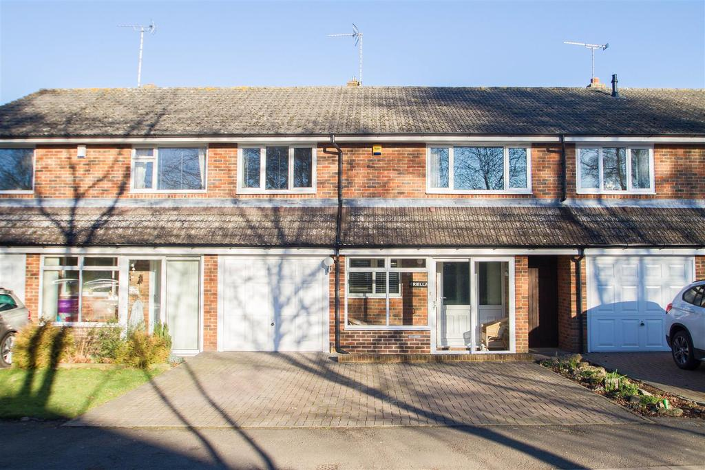 3 Bedrooms Terraced House for sale in Broomfield Road, Kingswood, Maidstone