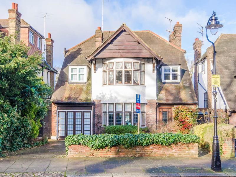 6 Bedrooms Detached House for sale in Lanchester Road, N6
