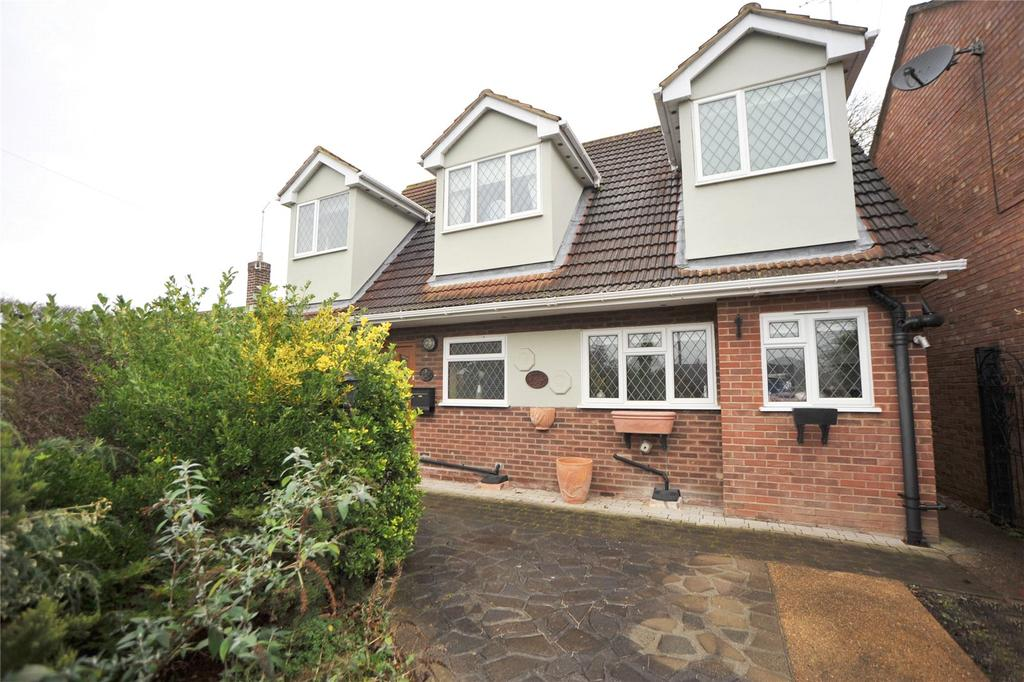 3 Bedrooms Detached House for sale in Woodside Close, Hutton, Brentwood, Essex, CM13