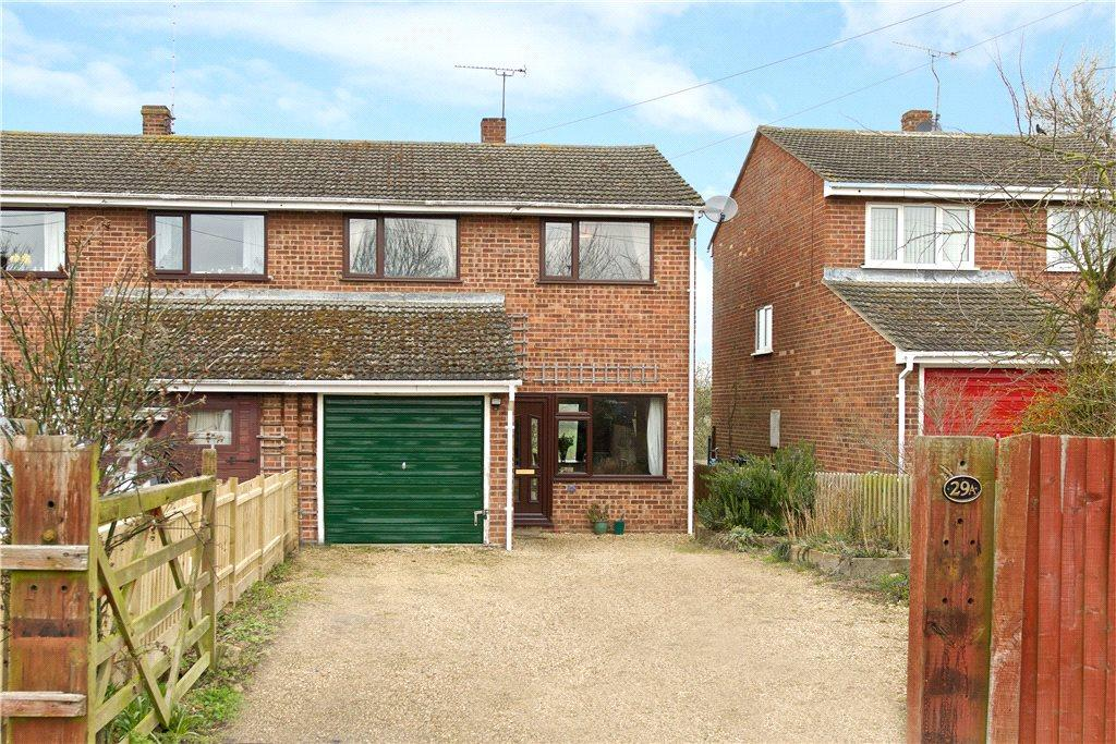 3 Bedrooms Semi Detached House for rent in Filgrave, Newport Pagnell, Buckinghamshire