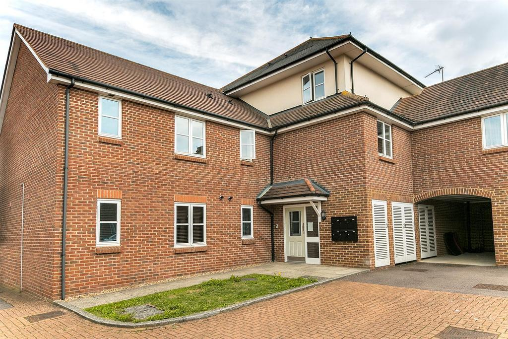 2 Bedrooms Apartment Flat for sale in Hopcrofts Meadow, Redhouse Park, Milton Keynes