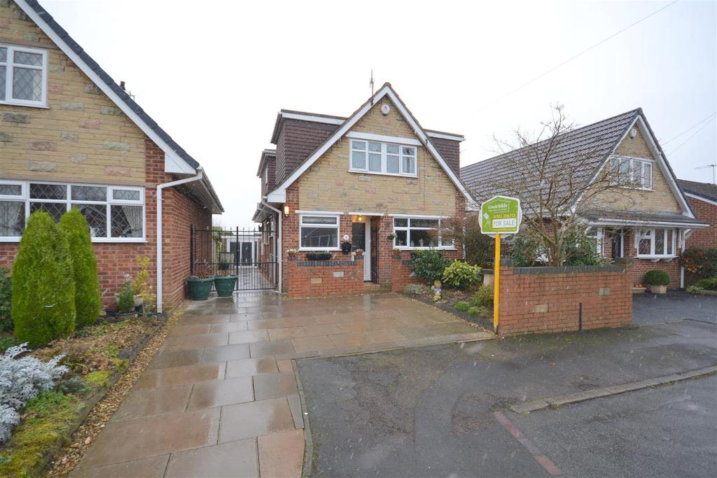 4 Bedrooms Detached House for sale in The Covert, Clayton, Newcastle