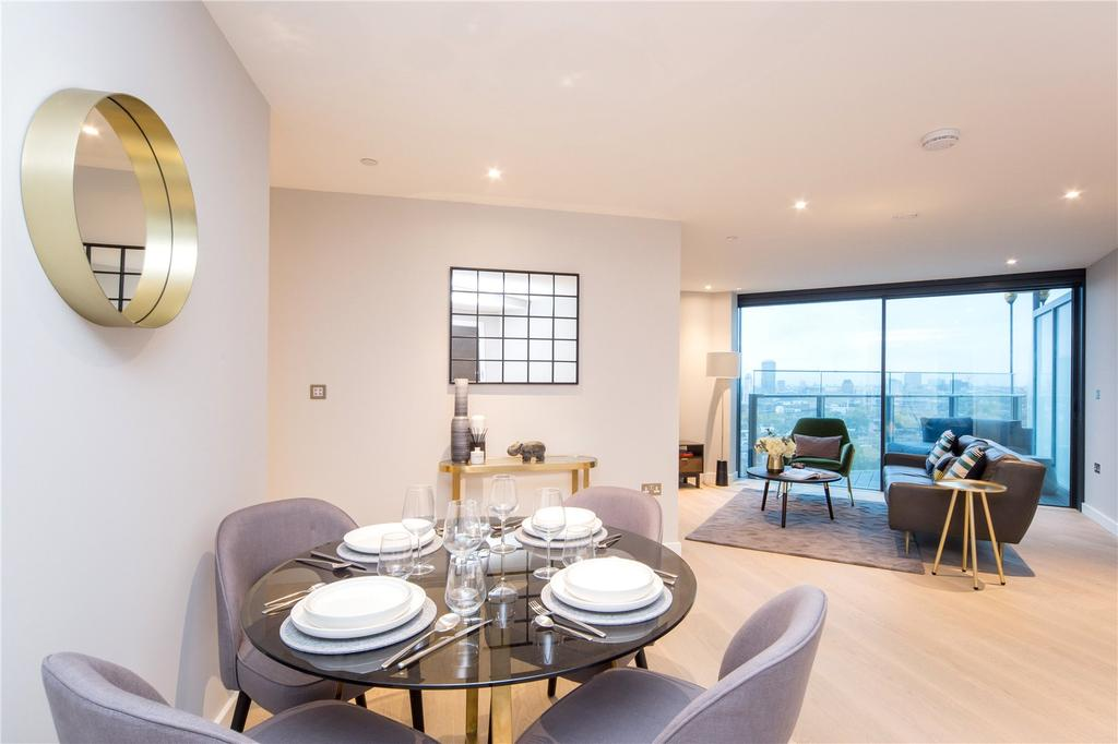 2 Bedrooms Flat for rent in Churchyard Row, London, SE11