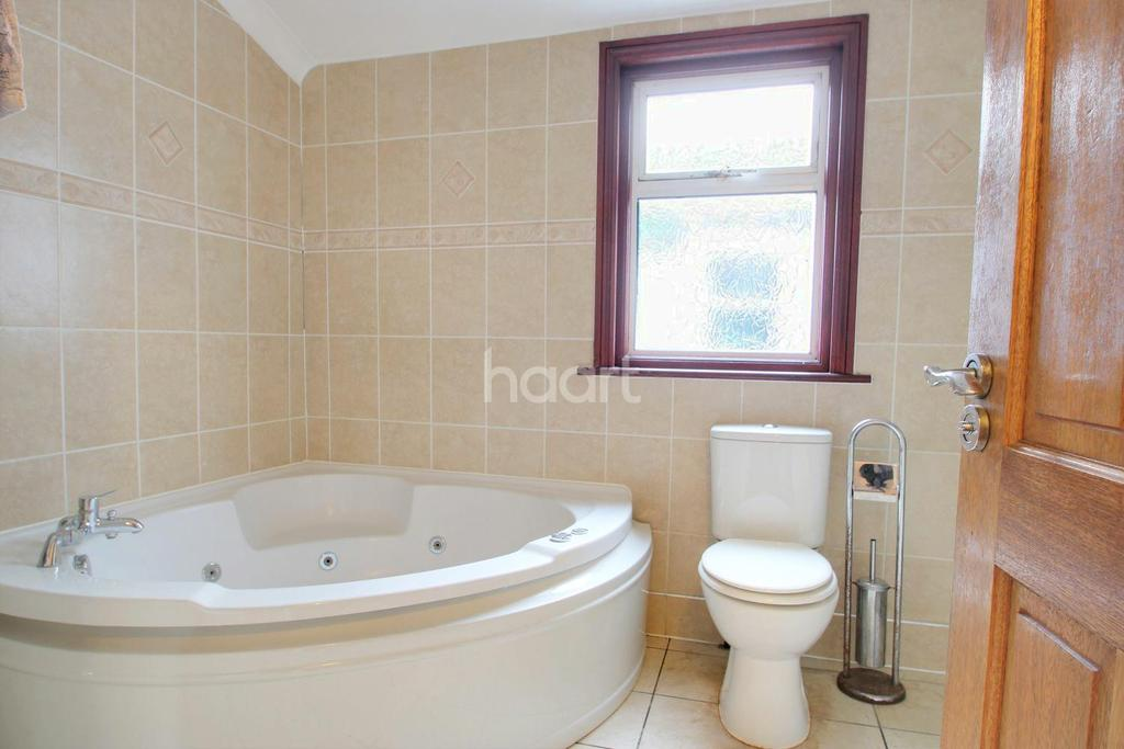3 Bedrooms Terraced House for sale in Gwendoline Avenue, Upton Park