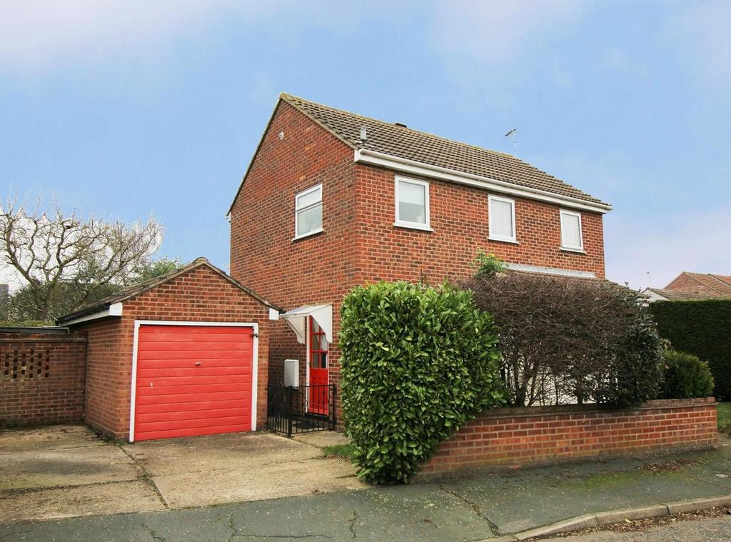 3 Bedrooms Detached House for sale in Green Acres Road, CO2