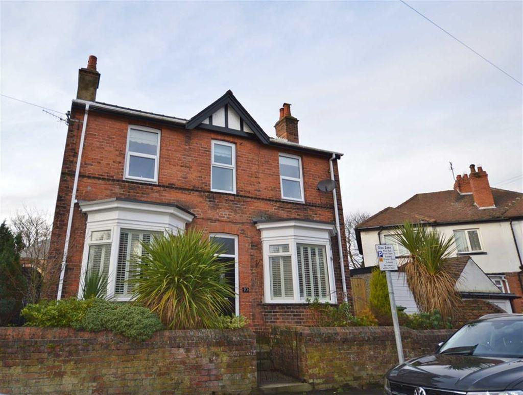 3 Bedrooms Detached House for sale in Roseville Avenue, Scarborough