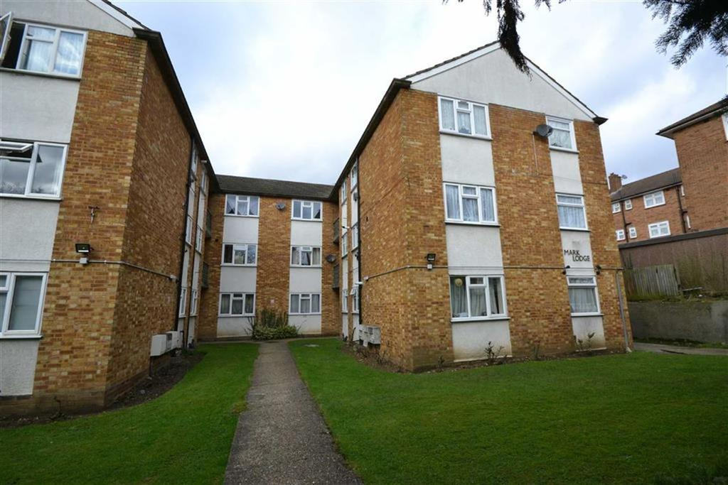 2 Bedrooms Apartment Flat for sale in Edgeworth Road, Cockfosters, Hertfordshire