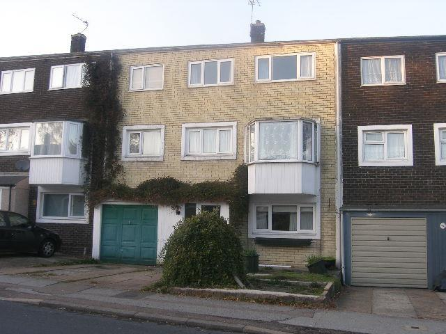 5 Bedrooms House for rent in Northdown Road, Hatfield