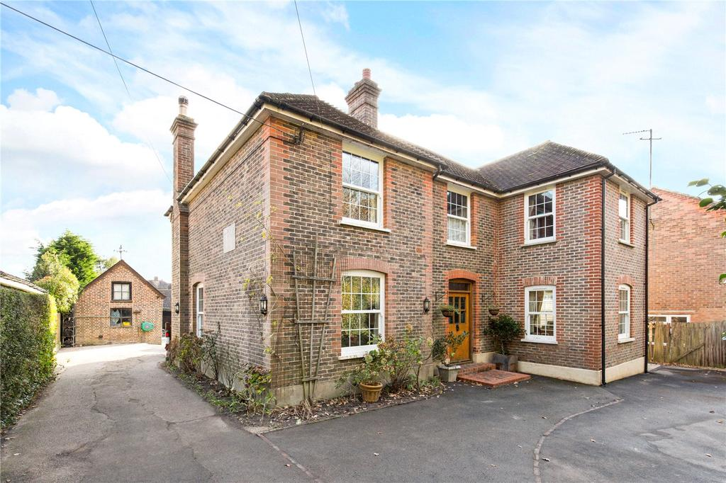 5 Bedrooms Detached House for sale in Ham Lane, Scaynes Hill, Haywards Heath, West Sussex, RH17