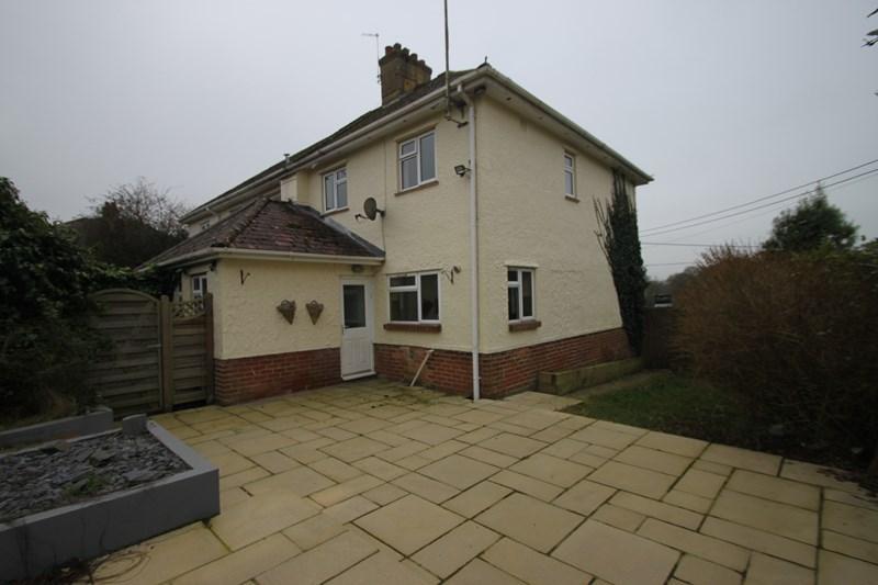 3 Bedrooms Semi Detached House for sale in Hillside Walk, Wimborne