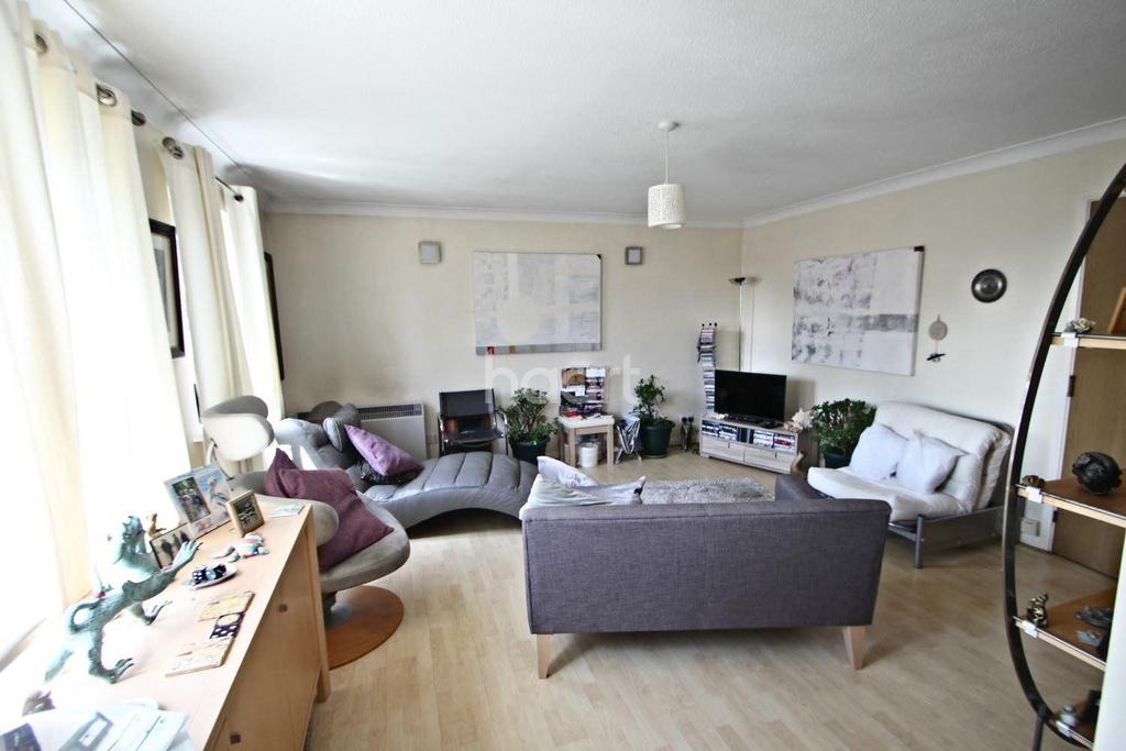 2 Bedrooms Flat for sale in Waterside, Exeter EX2