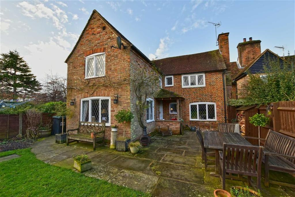 4 Bedrooms Semi Detached House for sale in The Green, Sarratt, Hertfordshire