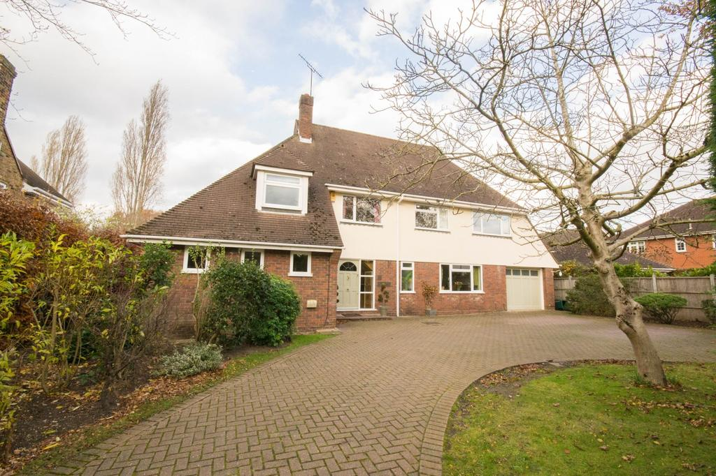 5 Bedrooms Detached House for sale in Ridgeway, Hutton, Brentwood, Essex, CM13