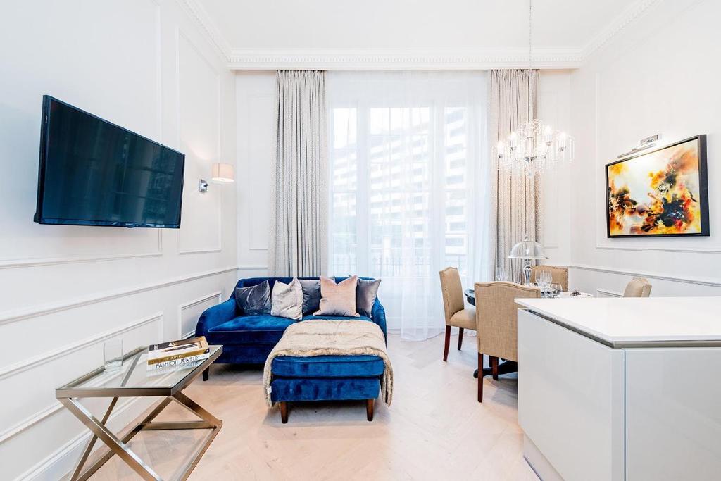 1 Bedroom Flat for sale in Gloucester Gardens, Bayswater
