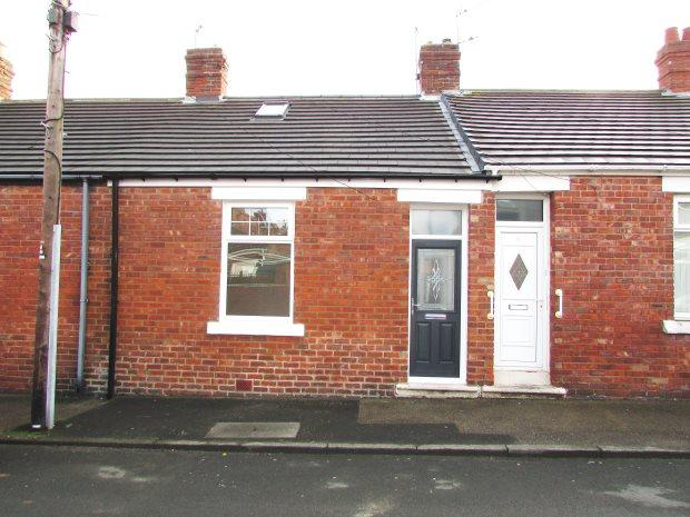 2 Bedrooms Terraced Bungalow for sale in VINCENT STREET, SEAHAM, SEAHAM DISTRICT