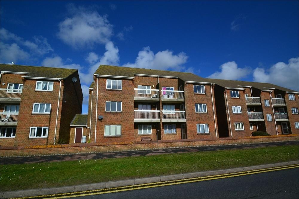 2 Bedrooms Flat for sale in Royal Sovereign View, Langney Point, East Sussex