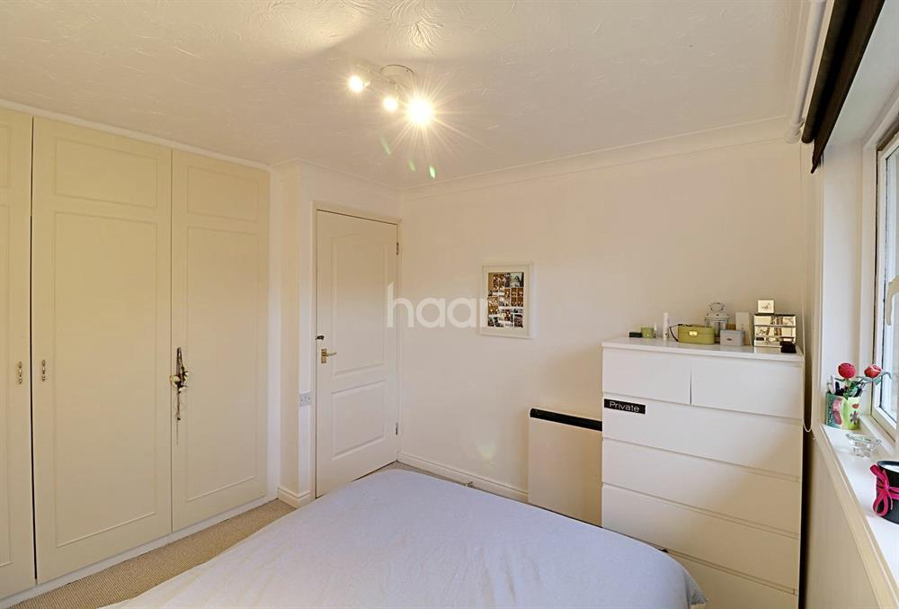 1 Bedroom Maisonette Flat for sale in Botany Close, Barnet, EN4