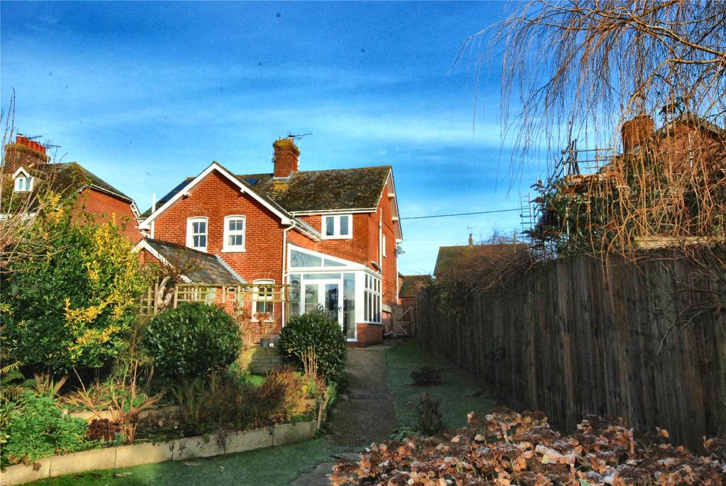 3 Bedrooms Semi Detached House for sale in Fernlea, Sandleheath, Fordingbridge, Hampshire, SP6