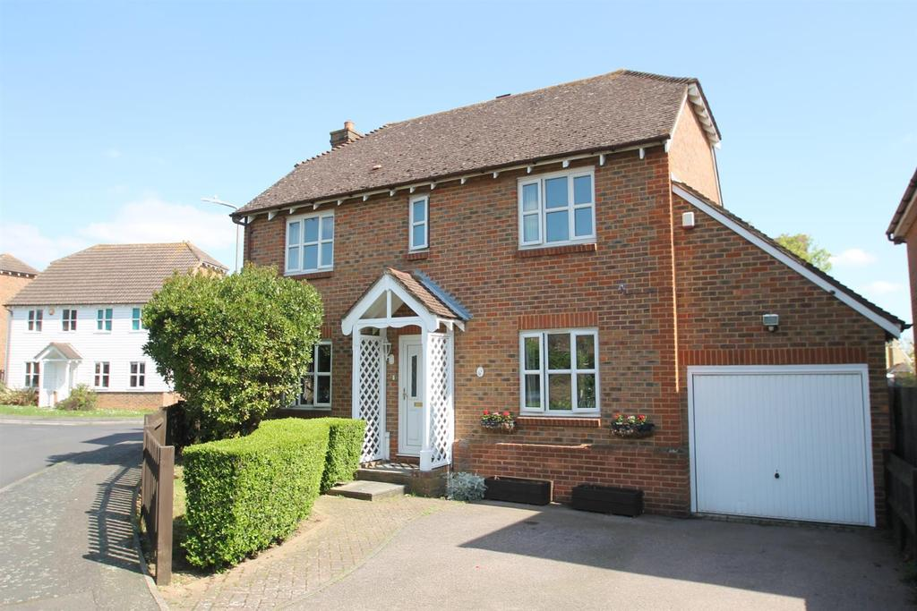 4 Bedrooms Detached House for sale in Tom Joyce Close, Snodland