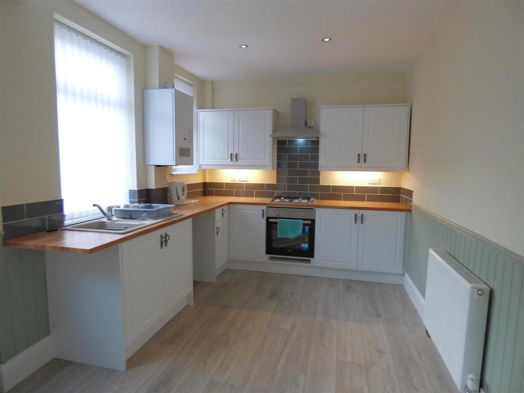 2 Bedrooms Terraced House for sale in Milton Terrace, Cleckheaton
