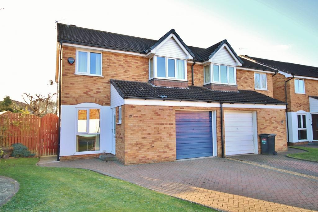 4 Bedrooms Semi Detached House for sale in Fieldhead Mews, Wilmslow