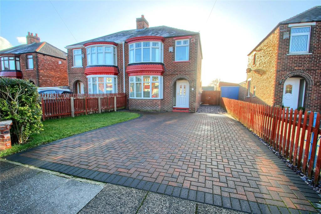 3 Bedrooms Semi Detached House for sale in Lanehouse Road, Thornaby