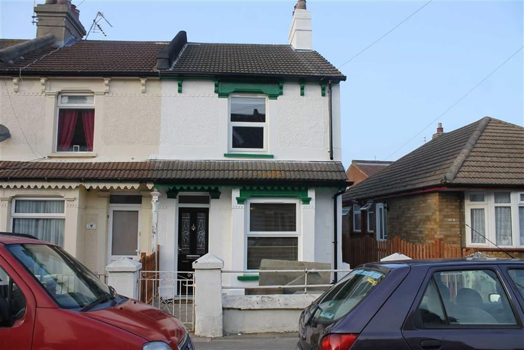 3 Bedrooms End Of Terrace House for sale in Cambridge Road, Clacton-on-Sea