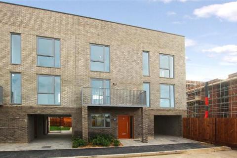 4 bedroom terraced house for sale - Trumpington Meadows, Hauxton Road, Trumpington, Cambridge