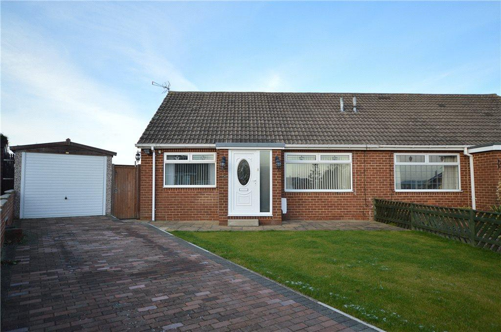 2 Bedrooms Semi Detached House for sale in Harwill Grove, Churwell, Leeds