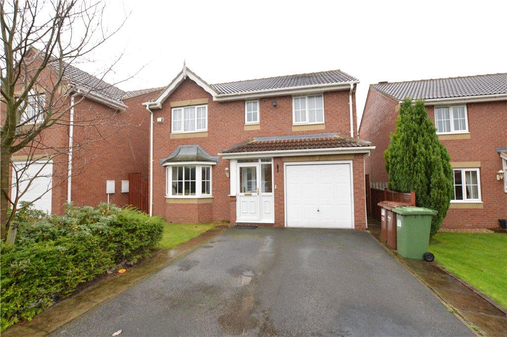 4 Bedrooms Detached House for sale in Newton Gardens, Wakefield, West Yorkshire