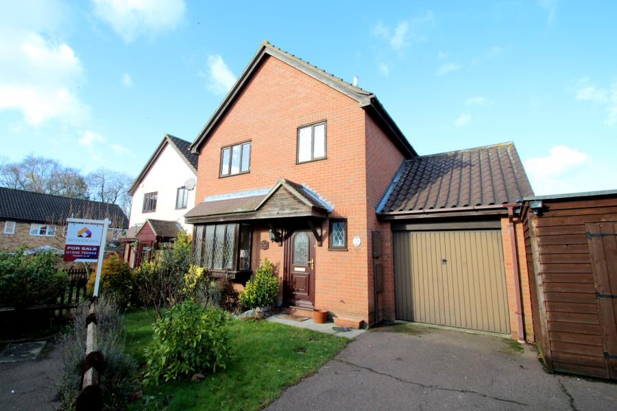 3 Bedrooms Detached House for sale in Hurrell Down, Highwoods, Colchester, Essex