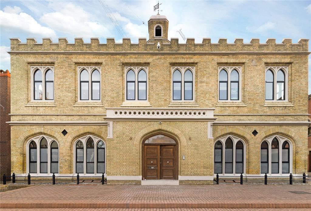 2 Bedrooms Flat for sale in The Old Blue School, Lower Square, Old Isleworth, TW7