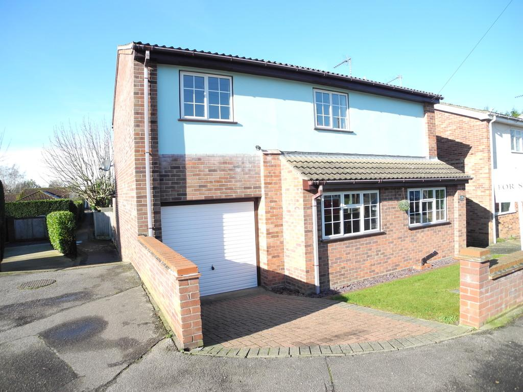 3 Bedrooms Detached House for sale in Clarkson Road, Lowestoft