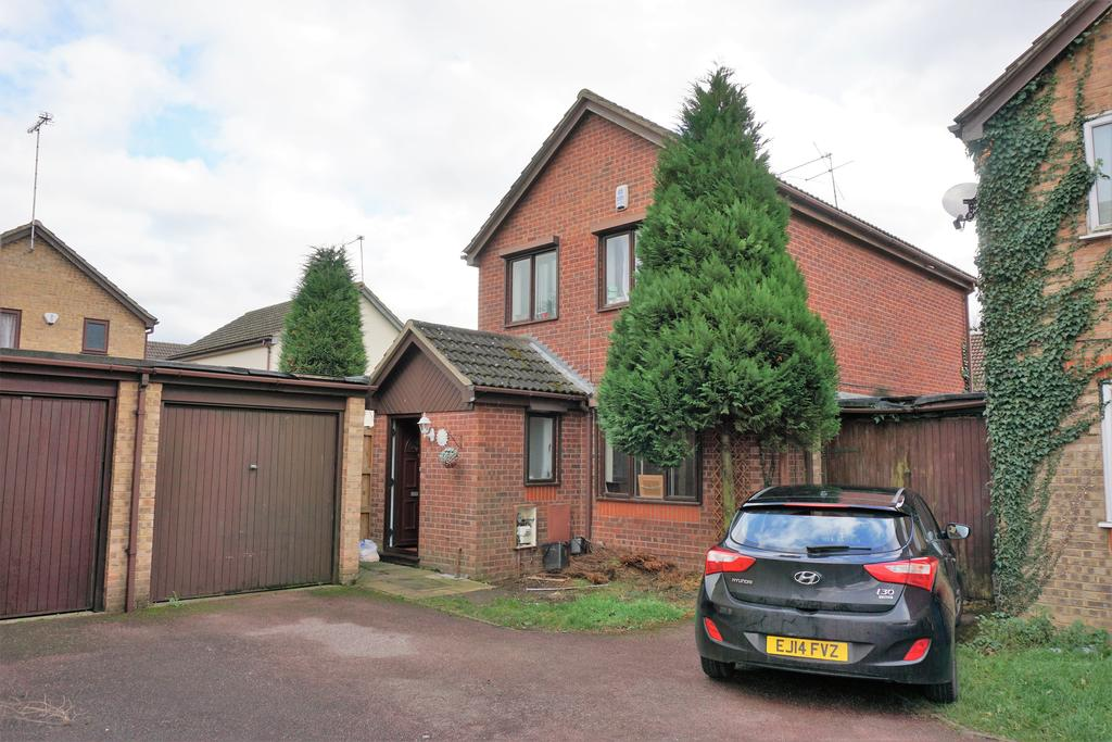 3 Bedrooms Detached House for sale in Spring Park, Homlea Walk, Datchet