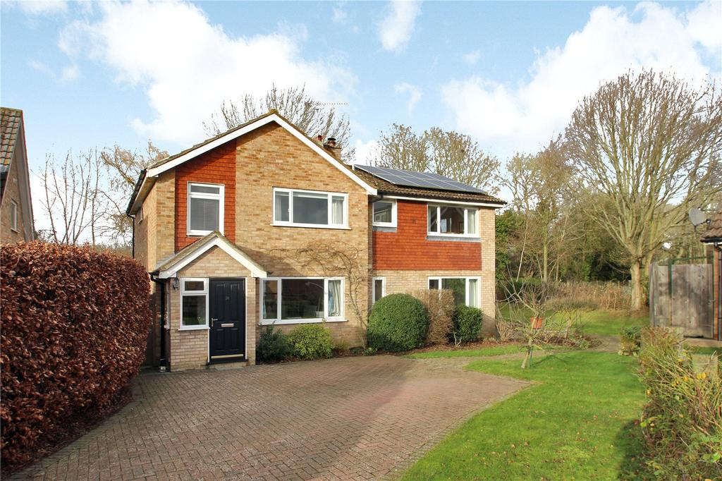 4 Bedrooms Detached House for sale in Oak Farm Gardens, Headcorn, Kent, TN27
