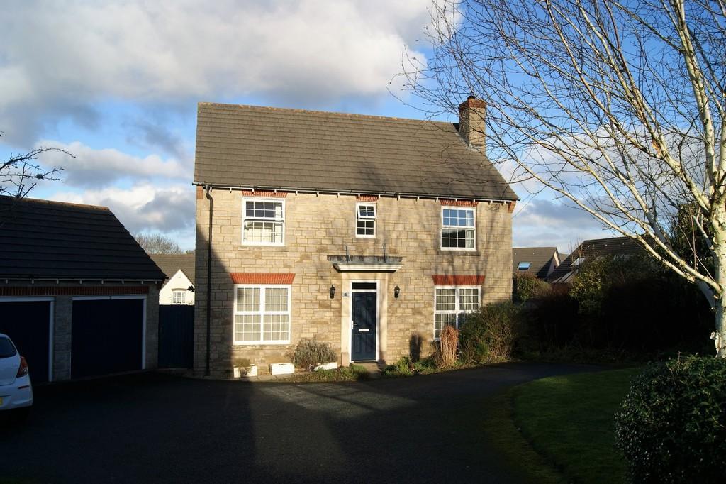 4 Bedrooms Detached House for sale in Okehampton