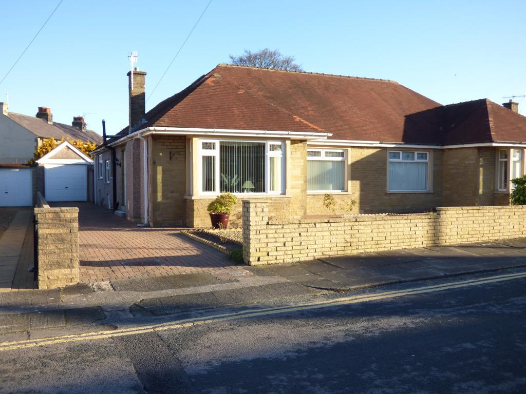 2 Bedrooms Semi Detached Bungalow for sale in Kendal Drive, Torrisholme, Morecambe, LA4 6NE