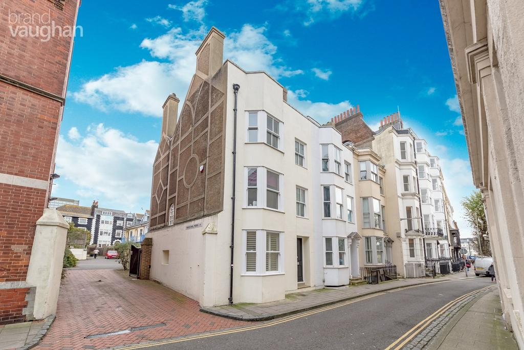 5 Bedrooms Terraced House for sale in Princes Street, Brighton, BN2
