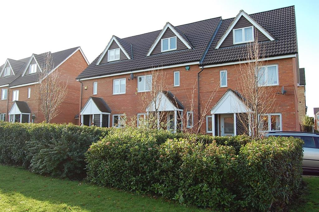 4 Bedrooms Terraced House for rent in Charding Crescent, Royston, SG8