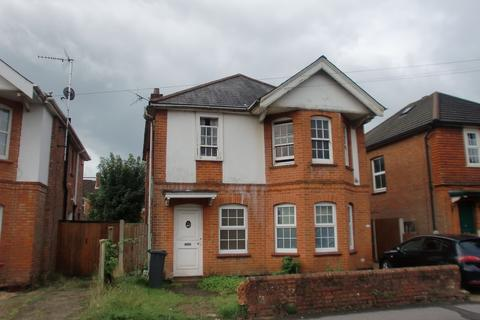 2 bedroom flat to rent - Capstone Road, Bournemouth