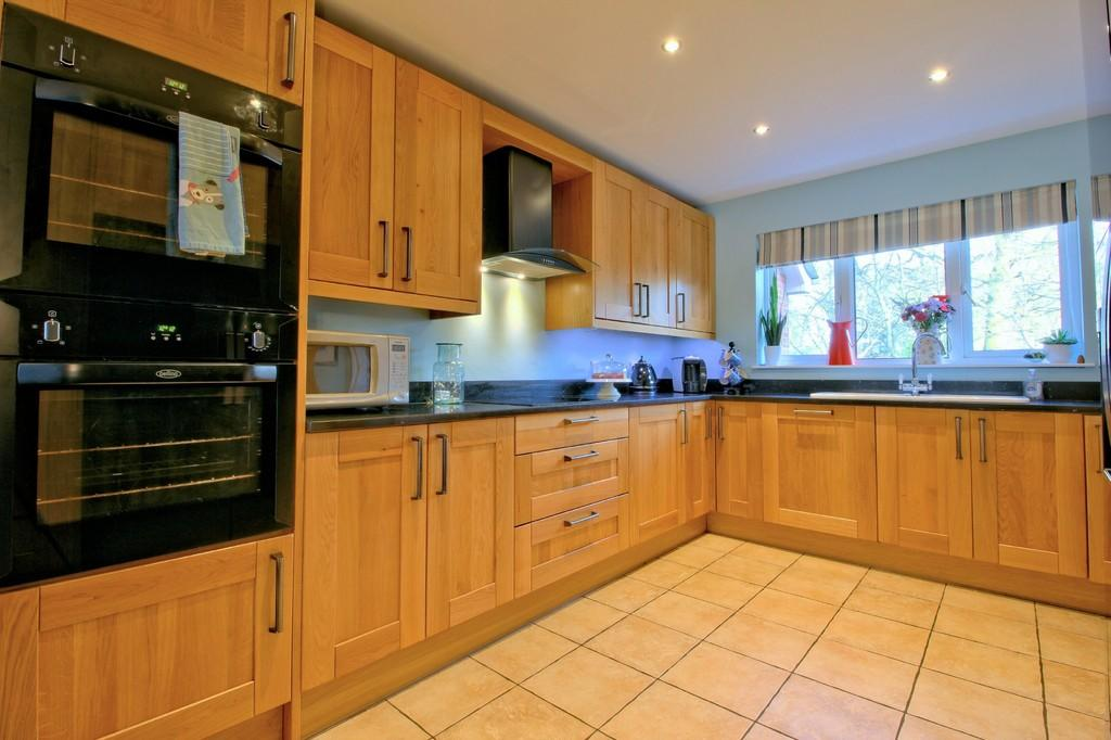 4 Bedrooms Detached House for sale in Briton Lodge Close, Moira