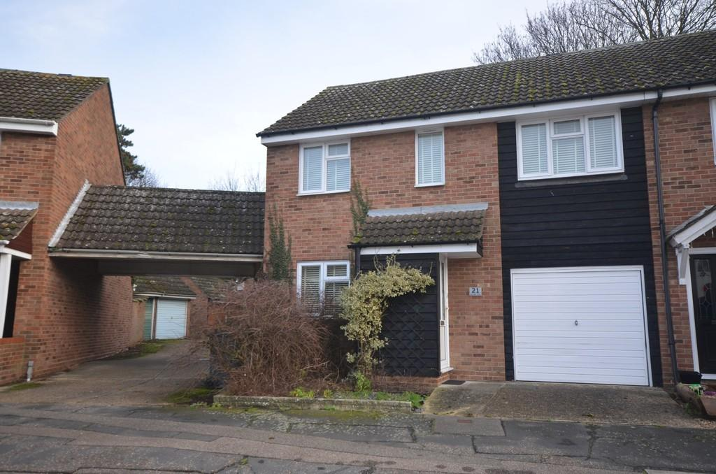 3 Bedrooms Semi Detached House for sale in Barwell Way, Witham, CM8 2TY