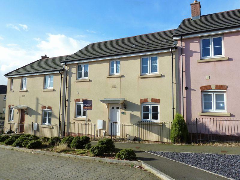 3 Bedrooms Terraced House for sale in Ffordd Y Grug Coity Bridgend CF35 6BQ