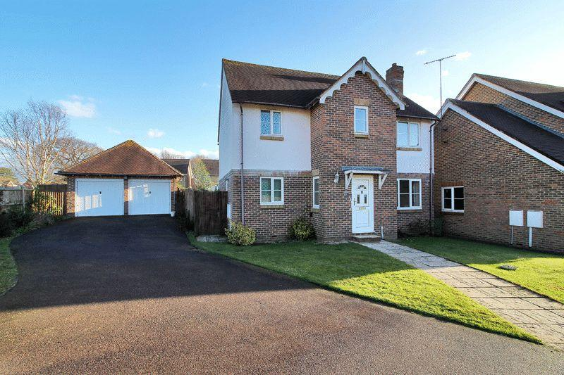 4 Bedrooms Detached House for sale in Tanbridge Park, Horsham