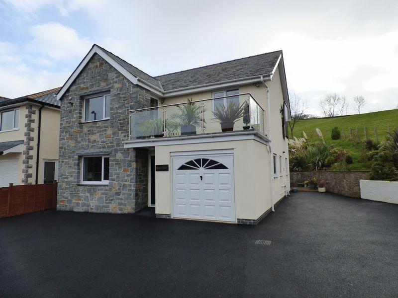 4 Bedrooms Detached House for sale in Mere Green, Penmaenmawr Road, Llanfairfechan LL33 0PA