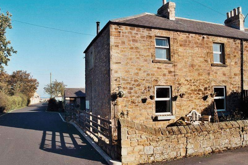3 Bedrooms Cottage House for sale in The Mains Farm, Guilden Road, Warkworth